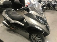 2009 PIAGGIO MP3 400 IE. 2009. TRADE SALE. 19929 MILES. TOP BOX £1999.00