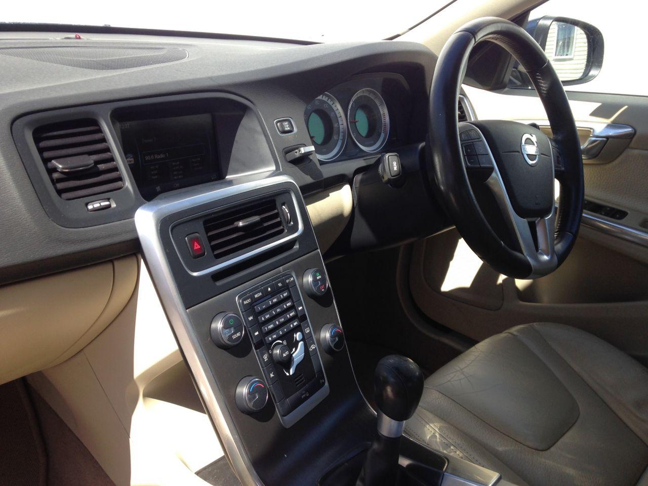 2011 Volvo S60 Drive SE Lux S/S £4,995