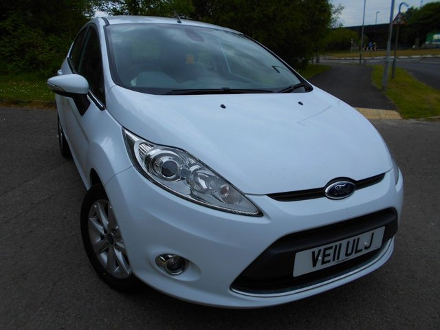2011 11 FORD FIESTA 1.2 ZETEC 5d 81 BHP ** LOW INSURANCE, LOW TAX, YES ONLY 26K FROM NEW , SUPERB VEHICLE THROUGHOUT **