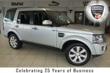USED 2014 14 LAND ROVER DISCOVERY 3.0 SDV6 XS 5d AUTO 255 BHP FINISHED IN INDUS SILVER WITH FULL LEATHER SEATS + SERVICE HISTORY + SATELLITE NAVIGATION + REVERSE CAMERA + 7 SEATER + HEATED FRONT SEATS + DAB RDIO + 19 INCH ALLOYS + HALOGEN HEADLIGHTS