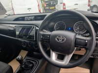 USED 2016 66 TOYOTA HI-LUX 2.4 ACTIVE 4WD D-4D DCB 1d 148 BHP