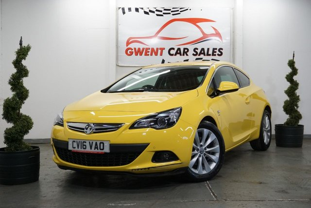 USED 2016 16 VAUXHALL ASTRA 1.6 GTC SRI CDTI S/S 3d 134 BHP WOW!! ONLY 3.592 MILES FROM NEW , SUPERB EXAMPLE