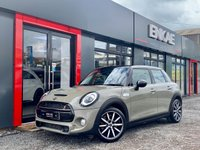 USED 2018 18 MINI HATCH COOPER S 2.0 COOPER S 5d 190 BHP SAT NAV*SPORTS EXHAUST*LEATHER INTERIOR*AMBIENT LIGHTING*KEY LESS START*BRITISH FLAG REAR LIGHTS*XENON LED LIGHTS*BLUETOOTH*LOW MILES*FAST RELIABLE CAR*NICE COLOUR STANDS OUT FROM THE REST*BLACK ROOF*GOOD TYRES ALL WHEELS ARE UNMARKED*WELL CARED FOR LADY OWNER CAR