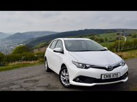 USED 2016 16 TOYOTA AURIS 1.2 VVT-I BUSINESS EDITION 5d 114 BHP Business ed, nav, heated seats