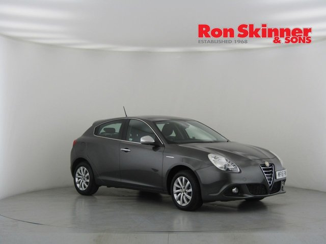 View our 2016 16 ALFA ROMEO GIULIETTA 2.0 JTDM-2 DISTINCTIVE 5d 150 BHP