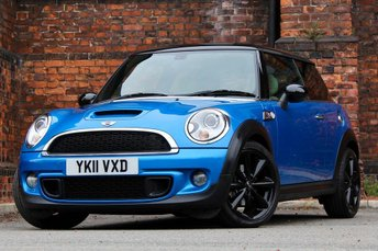 2011 MINI HATCH