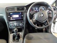 USED 2018 18 VOLKSWAGEN GOLF 1.6 SE NAVIGATION TDI BLUEMOTION TECHNOLOGY 5d 114 BHP VW Warranty to 28/03/2021  61.4 mpg