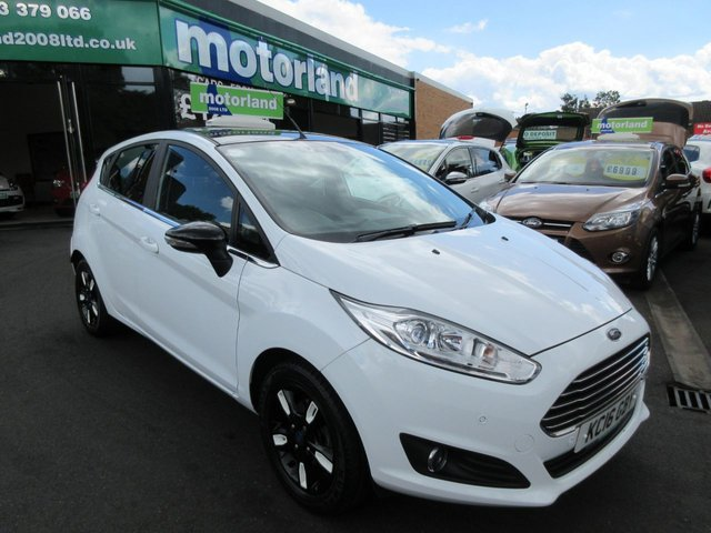 USED 2016 16 FORD FIESTA 1.2 ZETEC WHITE EDITION AUTUMN 5d 81 BHP ***AMAZING SPECIFICATION....TEST DRIVE TODAY***