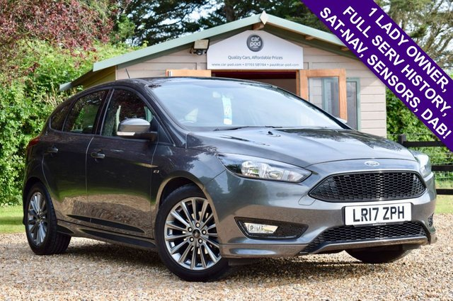 USED 2017 17 FORD FOCUS 1.0 ST-LINE ECOBOOST 5d 124 BHP 1 LADY OWNER, FSH, NAV, BLUETOOTH, £21,000 NEW - SUPERB VALUE!