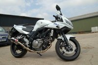 USED 2013 63 SUZUKI SV SL2 ONLY 2K MILES STUNNING CONDITION SCORPION RED POWER BLUE / WHITE UNMARKED BIKE. 11 MONTHS MOT