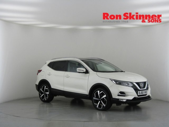 View our 2018 68 NISSAN QASHQAI 1.5 DCI TEKNA 5d 108 BHP with Glass Roof