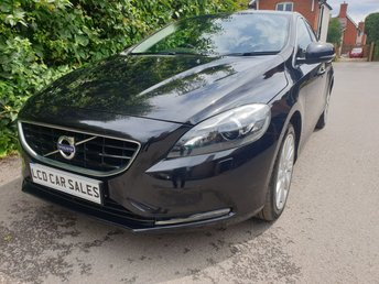 2012 VOLVO V40 2.0 D3 SE LUX NAVIGATION - FULL SERVICE HISTORY - SATELLITE NAVIGATION, DAB RADIO, BLUETOOTH, ISOFIX, XENON HEADLIGHTS,REAR PRIVACY GLASS, PARKING SENSORS, LED DAYTIME RUNNING LIGHTS, ELECTRIC FOLDING MIRRORS £7690.00