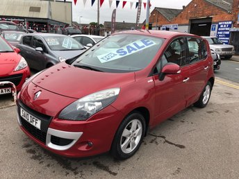 2010 RENAULT SCENIC 1.5 DYNAMIQUE TOMTOM DCI 5d 105 BHP *** PAYMENTS LOW AS £72 A MONTH! *** 12 MONTHS WARRANTY! ***