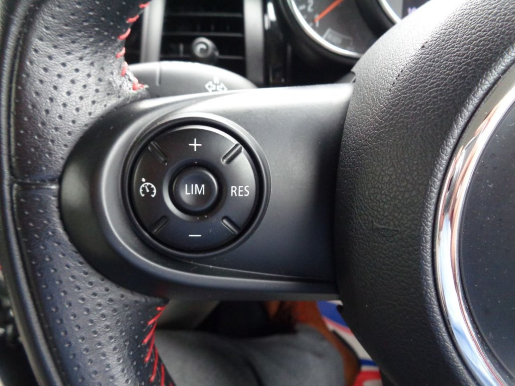 2014 MINI Hatch Cooper Cooper D £7,795