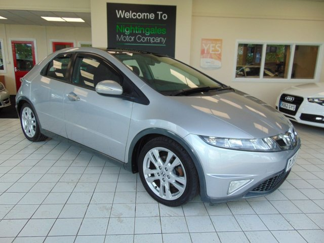 "USED 2010 60 HONDA CIVIC 2.2 I-CDTI ES 5d 138 BHP LOW MILES + PANORAMIC GLASS ROOF + 17"" ALLOYS + CLIMATE CONTROL + CRUISE CONTROL + ELECTRIC WINDOWS + PUSH BUTTON START + CD RADIO"