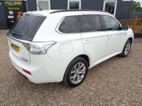 USED 2015 15 MITSUBISHI OUTLANDER 2.0 GX4h CVT 4x4 5dr (5 seats) Nav, Rear Cam , Sunroof