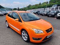 USED 2006 06 FORD FOCUS 2.5 ST-2 3d 225 BHP Pearlescent Orange with White Stripes, Recaro seats, Stunning condition