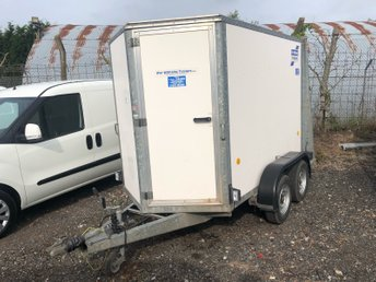 View our IFOR WILLIAMS Twin Axle