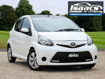 2014 TOYOTA AYGO 1.0 VVT-I MOVE WITH STYLE 5d 68 BHP £4945.00