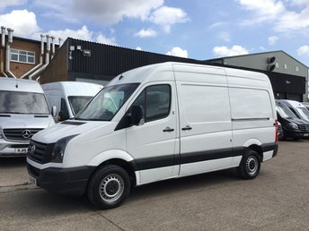2016 VOLKSWAGEN CRAFTER 2.0TDI CR35 MWB HIGH ROOF BMT. LOW 71K. VW WARRANTY. PX £9490.00