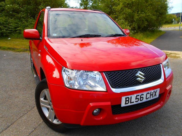 2007 56 SUZUKI GRAND VITARA 1.6 VVT PLUS 3d 105 BHP ** 4 WHEEL DRIVE, CHROME SIDE STEPS , ALLOYS , YES ONLY 61K , ABSOLUTE  IMMACULATE EXAMPLE **