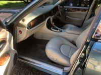 USED 1999 DAIMLER SUPER V8 4.0 SUPER V8 SUPERCHARGED LWB,NEW ENGINE @49K,NO ADVISORY MOT PLS READ AD SUPERB KINGFISHER BLUE WITH OATMEAL HIDE
