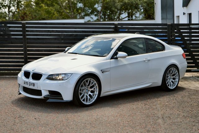 2011 11 BMW M3 4.0 M3 2d DCT COUPE MINERAL WHITE EDC