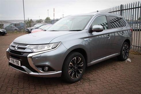 2016 Mitsubishi Outlander Phev GX 5hs £21,000
