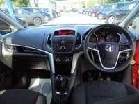 USED 2012 12 VAUXHALL ZAFIRA TOURER 1.8 EXCLUSIV 5d 138 BHP