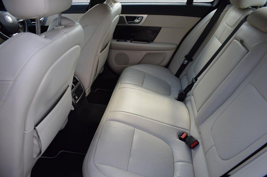 USED 2013 04 JAGUAR XF 3.0 D V6 S PORTFOLIO 4d AUTO 275 BHP