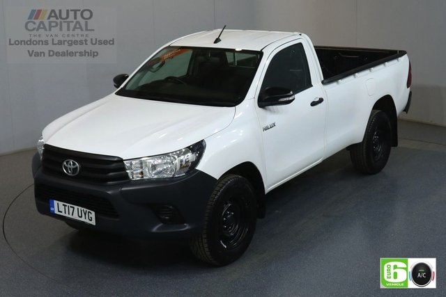 2017 17 TOYOTA HI-LUX 2.4 ACTIVE 4WD D-4D 148 BHP EURO 6 ENGINE AIR CONDITION, ONE OWNER, FULL SERVICE