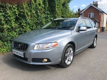 2008 VOLVO V70 2.5T  PETROL SE LUX AUTOMATIC - FULL VOLVO SERVICE HISTORY - 11 DEALER STAMPS & A NEW CAMBELT @ 82,952 MILES, JUST SERVICED - ULEZ COMPLIANT -  £6990.00