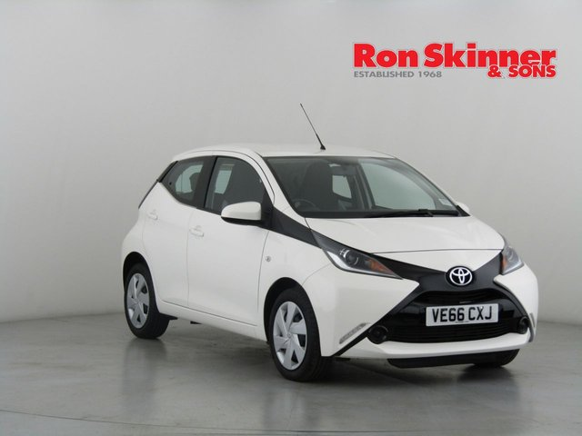 View our 2016 66 TOYOTA AYGO 1.0 VVT-I X-PLAY 5d 69 BHP