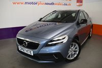 USED 2017 67 VOLVO V40 2.0 T3 CROSS COUNTRY PRO 5d 150 BHP