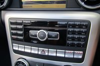 USED 2011 11 MERCEDES-BENZ SLK 1.8 SLK200 BLUEEFFICIENCY EDITION 125 2d AUTO 184 BHP