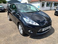 USED 2010 10 FORD FIESTA 1.2 ZETEC 3d 81 BHP ONE YEAR WARRANTY INCLUDED / FULL MAIN DEALER SERVICE HISTORY / 12 MONTH MOT