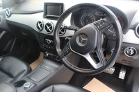 USED 2013 62 MERCEDES-BENZ B CLASS 1.8 B180 CDI BLUEEFFICIENCY SPORT 5d AUTO 109 BHP DIESEL WHITE
