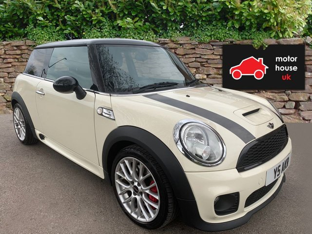 USED 2008 MINI HATCH JOHN COOPER WORKS 1.6 John Cooper Works 3dr VERY CLEAN WELL MAINTAINED EXAMPLE IN A GREAT COLOUR, MULTISPOKE ALLOYS WITH RED CALIPERS, PUSH BUTTON START, AIR CON,