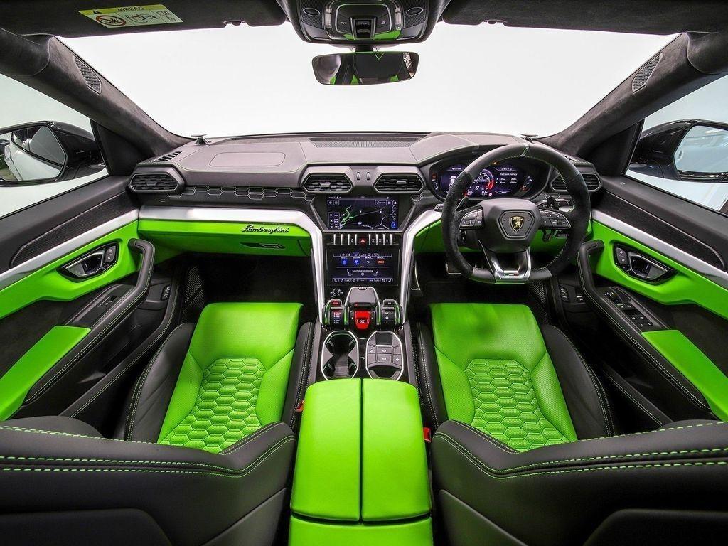 2019 Lamborghini Urus 4 0 V8 Biturbo Auto 4WD 5dr £217,850