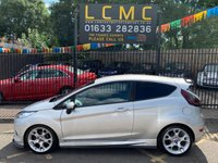 USED 2009 09 FORD FIESTA 1.6 ZETEC S 3d 118 BHP STUNNING METALLIC MOONDUST SILVER, ALLOY WHEELS, AIR CON, CD PLAYER, CHARCOAL CLOTH ZETEC S INTERIOR, STUNNING BODY KIT AND STYLING, SERVICE HISTORY, LOOKS GREAT VERY SPORTY