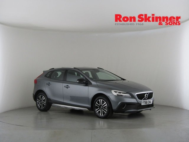 View our 2016 66 VOLVO V40 2.0 T3 CROSS COUNTRY NAV PLUS 5d 150 BHP