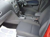 USED 2007 56 FORD FOCUS 1.6 ZETEC CLIMATE 16V 5d AUTO 101 BHP