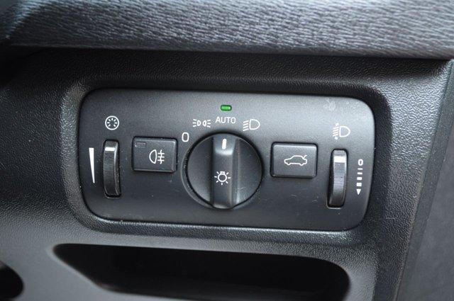 USED 2015 15 VOLVO V40 1.6 D2 R-DESIGN NAV 5d 113 BHP Sat nav leather sprts seats