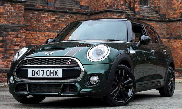 2017 17 MINI HATCH COOPER 2.0 COOPER S 5d AUTO 189 BHP [ JCW CHILI PACK ]