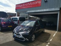 USED 2017 67 TOYOTA AYGO 1.0 VVT-I X-PLAY 5d 69 BHP ONLY 4986 MILES FROM NEW! LOW CO2 EMISSIONS (95G/KM)  GREAT SPECIFICATION INCLUDING  AIR CONDITIONING, ELECTRIC FRONT WINDOWS! JAPANESE BUILD QUALITY AND ALL OUR VEHICLES MEET LARGE CITY EMISSIONS STANDARDS. TOYOTA WARRANTY.