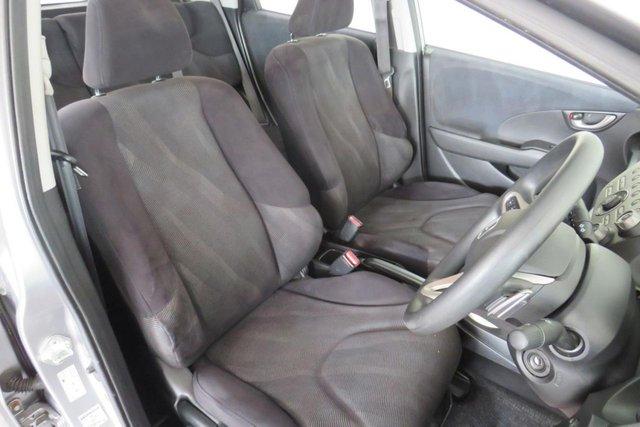 USED 2010 59 HONDA JAZZ 1.3 I-VTEC ES I-SHIFT 5d AUTO 98 BHP