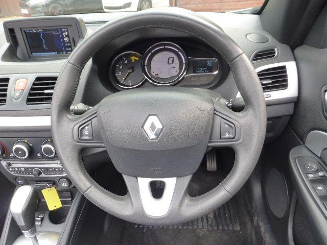 2011 Renault Megane Dynamique Tomtom DCI Fap Edc