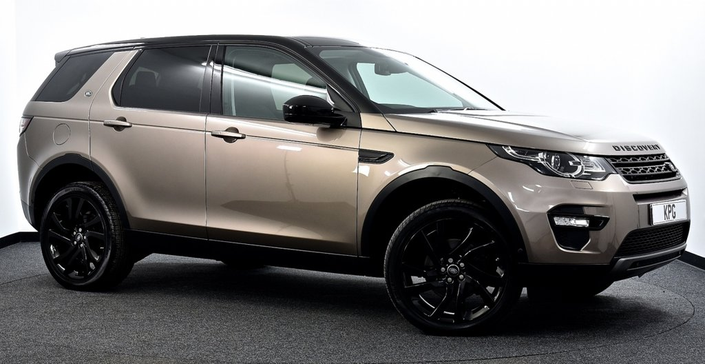 USED 2017 17 LAND ROVER DISCOVERY SPORT 2.0 TD4 HSE Luxury Auto 4WD (s/s) 5dr 7 Seat Pan Roof, Hot/Cold Seats, Nav+