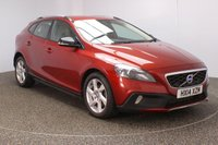 USED 2014 14 VOLVO V40 1.6 D2 CROSS COUNTRY LUX 5DR 113 BHP FULL SERVICE HISTORY + LEATHER SEATS + PARKING SENSOR + BLUETOOTH + CLIMATE CONTROL + MULTI FUNCTION WHEEL + DAB RADIO + XENON HEADLIGHTS + ELECTRIC WINDOWS + ELECTRIC MIRRORS + 17 INCH ALLOY WHEELS