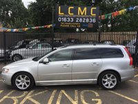 USED 2013 13 VOLVO V70 1.6 D2 SE NAV 5d AUTO 113 BHP STUNNING BRIGHT SILVER PAINT WORK, LUXURY BEIGE LEATHER, HEATED SEATS, 17 INCH ALLOY WHEELS, REAR PARK SENSORS, CRUISE CONTROL, SAT NAV, POWER TAIL GATE, BLIND SPOT MONITORING, WINTER PACK ETC